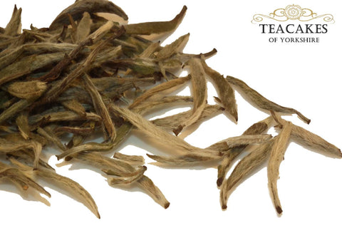 White Loose Leaf Tea Two Doves Silver Needle Multi Sizes - TeaCakes of Yorkshire