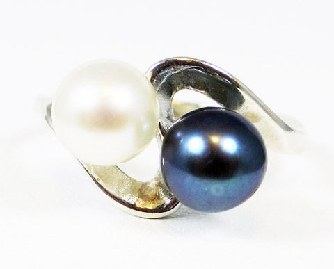 White and Black Double Pearl Ring, 925 Sterling Silver, June Birthstone Ring, Natural Pearl Ring, White Pearl Ring, Black Pearl Ring