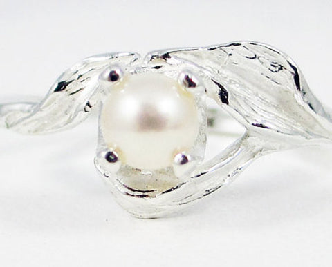 White Pearl Leaf Ring, 925 Sterling Silver, June Birthstone Ring, Natural White Pearl Ring, 925 Sterling Leaf Ring, Pearl Leaf Ring