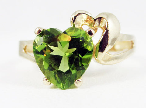 Peridot and Gold Heart Ring 14k Yellow Gold, August Birthstone Ring, Peridot Heart Ring, 14k Yellow Gold Heart Ring, 14k Gold Peridot Ring