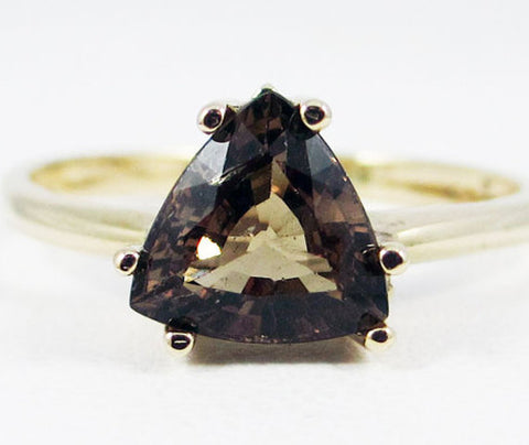 Garnet Trillion Ring 14k Yellow Gold, Solid 14k Yellow Gold Ring, 14 Karat Gold Ring, January Birthstone Ring, Color Change Garnet Ring