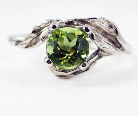 14k White Gold Peridot Leaf Ring, August Birthstone Ring, Solid 14 Karat Gold Ring, White Gold Ring, 14k White Gold Peridot Ring