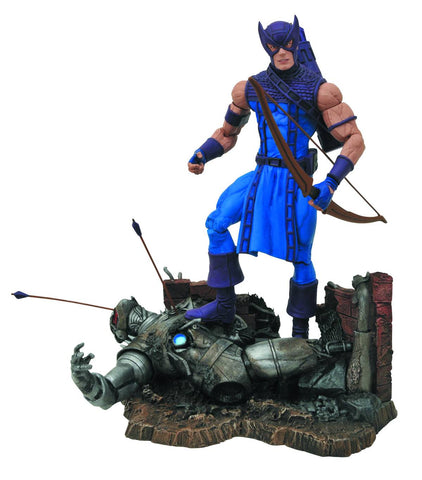 Hawkeye Diamond Select Action Figure (Posed)