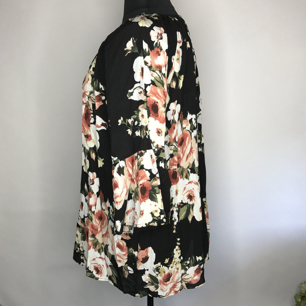 Plus Size Floral Print Bell Sleeve Top