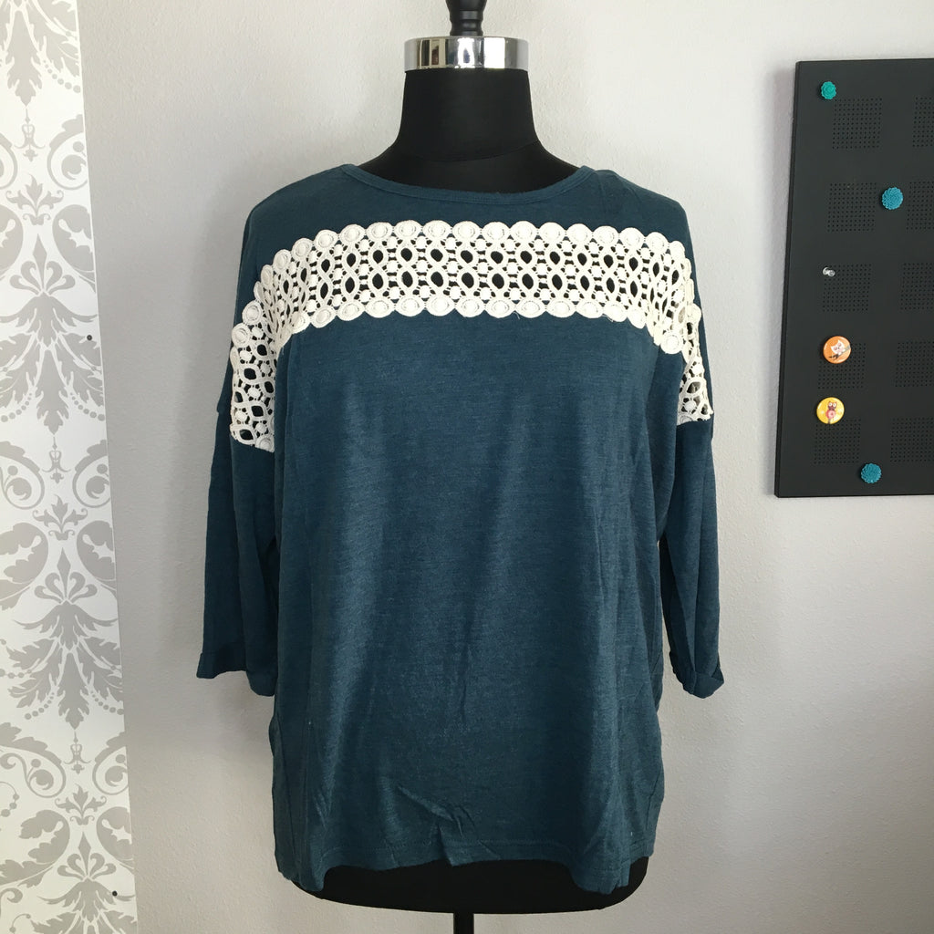 Plus Size Lace Trim Knit Top