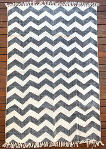 Handmade Zigzag B&W Block Print Cotton Dhurrie Carpet