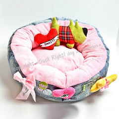 Green Dog Bed With Toys - Miami Pooch Pet Boutique