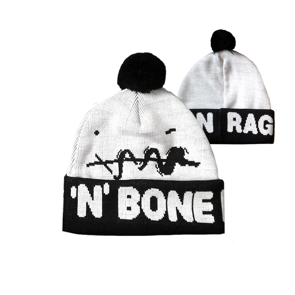 SMILEY WHITE BOBBLE HAT