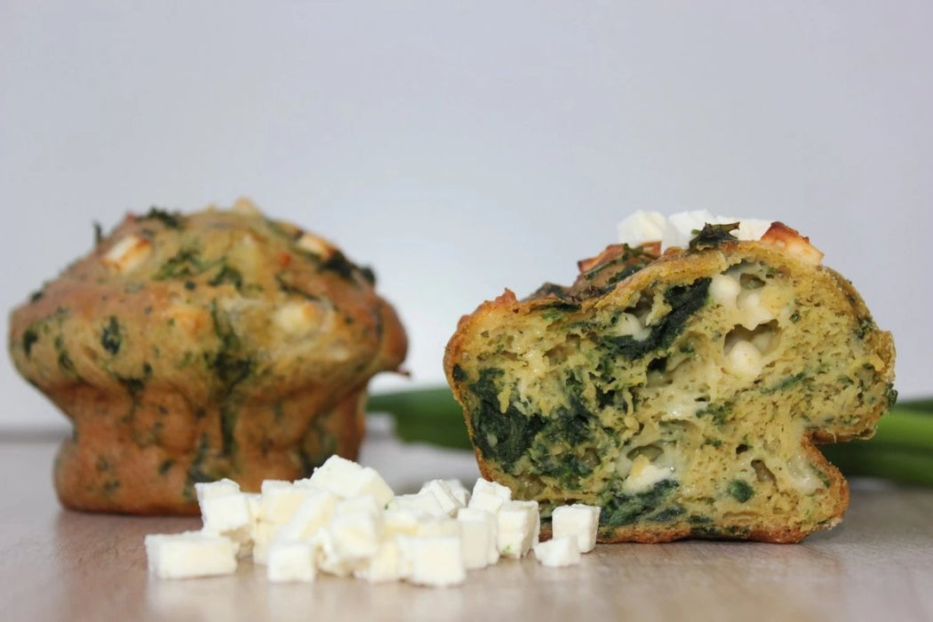 Spinat Muffin mit Feta, frisch gebacken, low carb