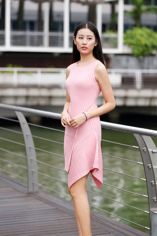 click to go to sleeveless knitted asymmetric dress in pink color