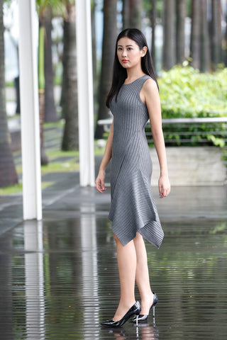 click to go to sleeveless knitted asymmetric dress in grey color