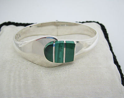 Gorgeous Sterling Silver Hinged Bracelet with Greeen Malachite