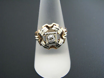 Vintage Solitaire Diamond Ring in 18k Yellow Gold with White Gold Accents
