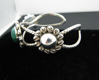 Beautiful Sterling Silver Cuff Bracelet with Lovely Round Malachite Center Stone