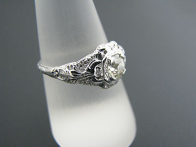 Stunning Vintage Filigree Diamond Ring in 18k White Gold From the 1920's