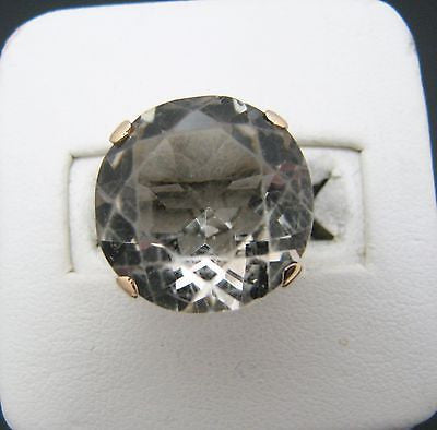 Lovely Smokey Grey Quartz Stone Mounted in a 14k Yellow Gold Ring