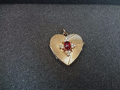Beautiful 14k yellow gold Heart shaped Locket