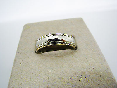 Nice 2 Tone Wedding Band in 14k Gold