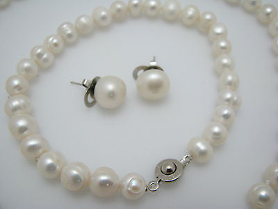 Pretty White Freshwater Pearl Necklace, Bracelet & Earrings Set by Teng Yue