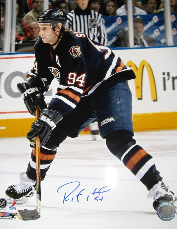 Ryan Smyth Edmonton Oilers Autographed Blue Puck Carry 16x20