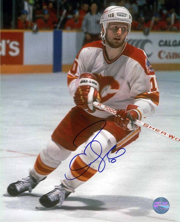 Gary Roberts Calgary Flames Autographed 8x10 Photo