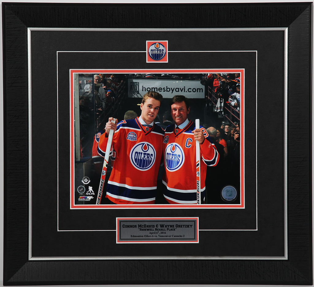 Wayne Gretzky & Connor McDavid Edmonton Oilers Framed 11x14 Photo