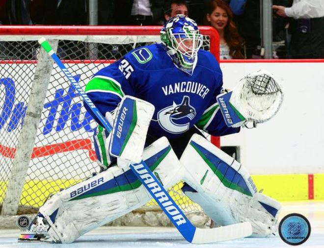 Jacob Markstrom Vancouver Canucks 8x10 Photo