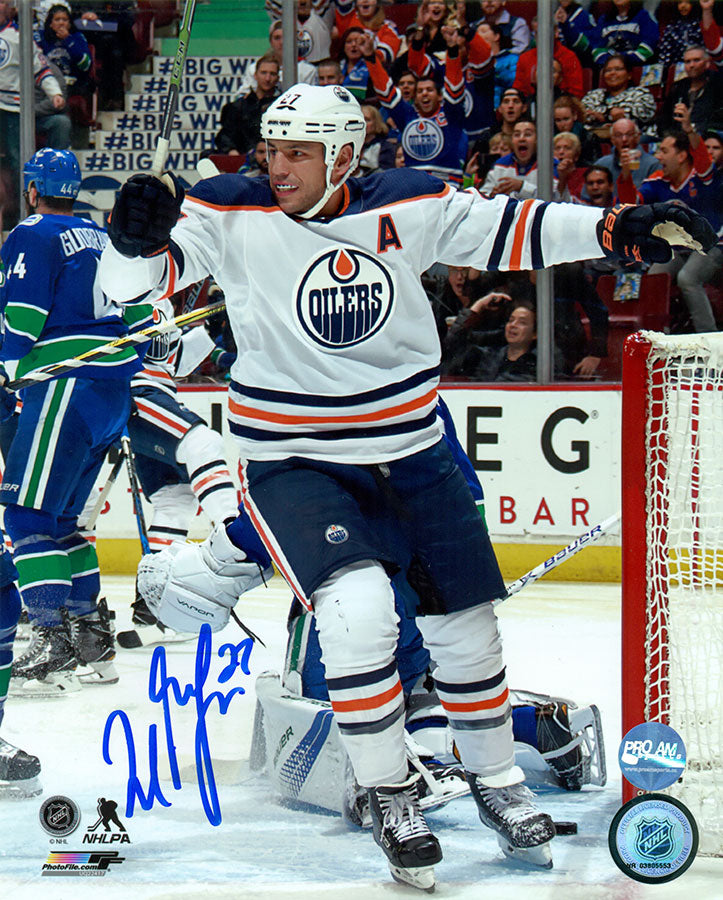 new product 9f6e1 d12b7 Milan Lucic Edmonton Oilers Autographed 8x10 Photo