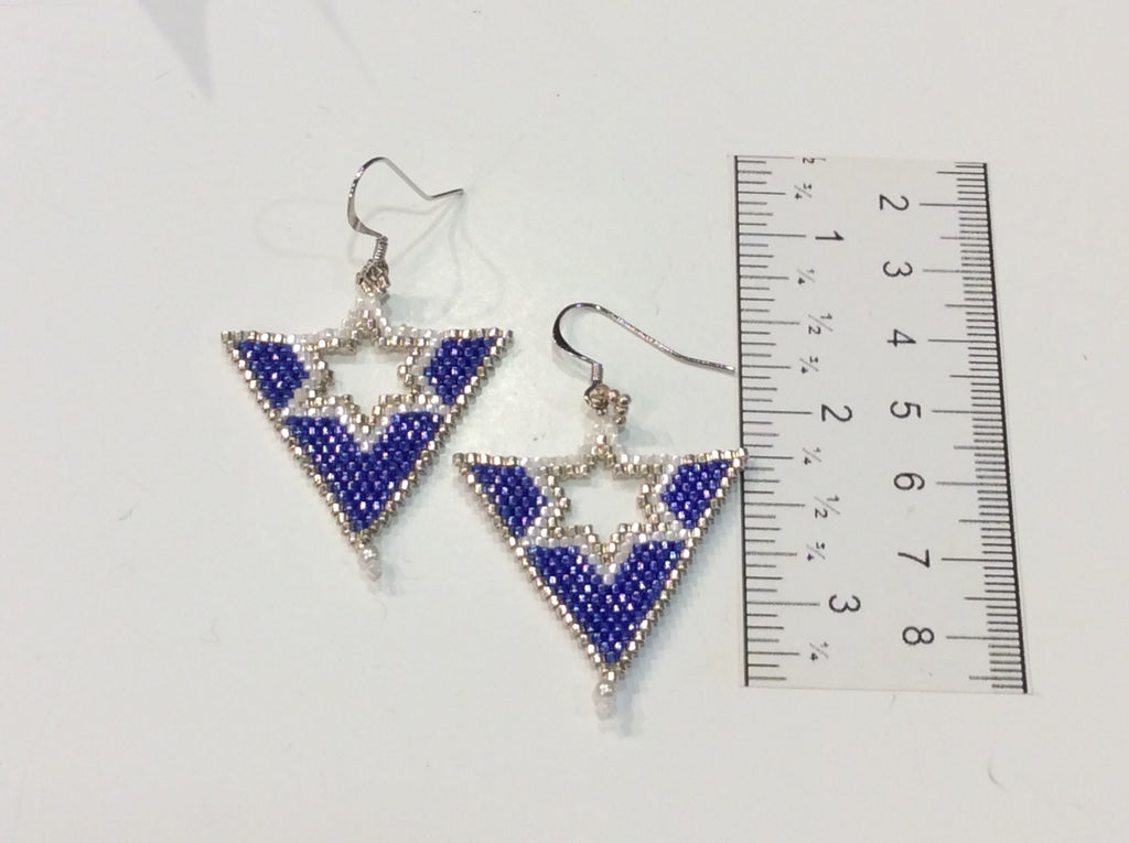 Triangle shape with 6 point star earrings (brick stitch)