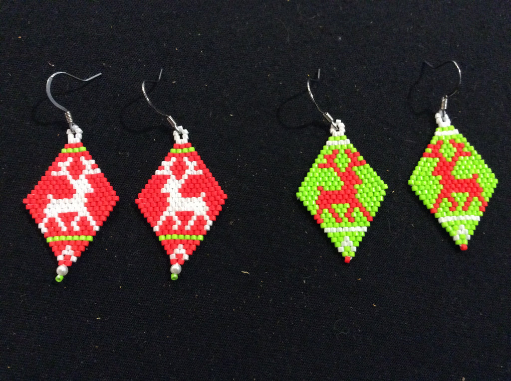 Reindeer design brickstitch earrings