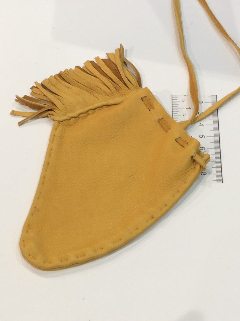 Obtuse shaped leather pouch