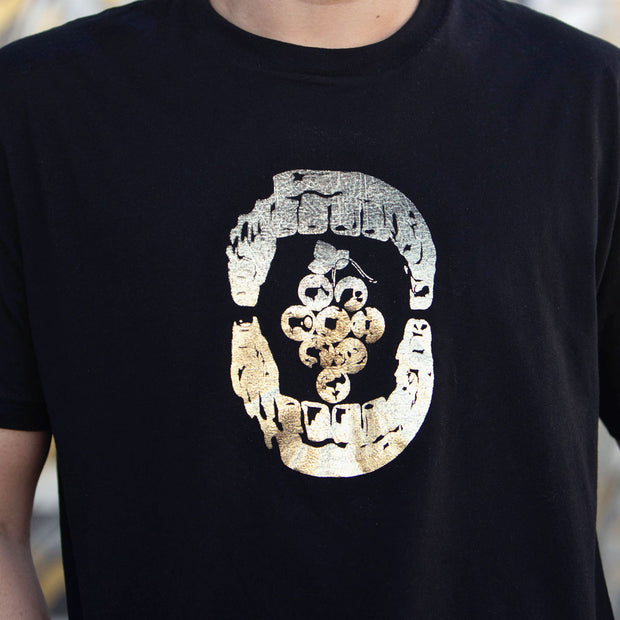 8 Grapes Unisex Shirt - LIMITED EDITION in GOLD
