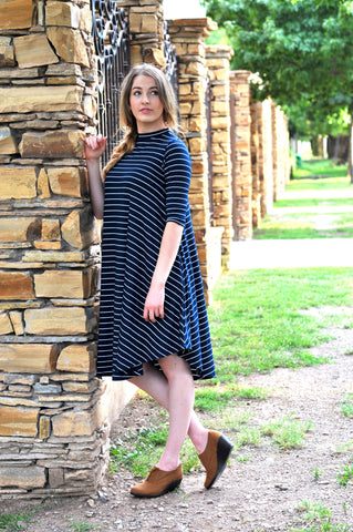 Comfortable Modest dress blue white stripe knee length swing dress