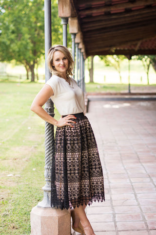 Comfortable modest skirt black lace skirt