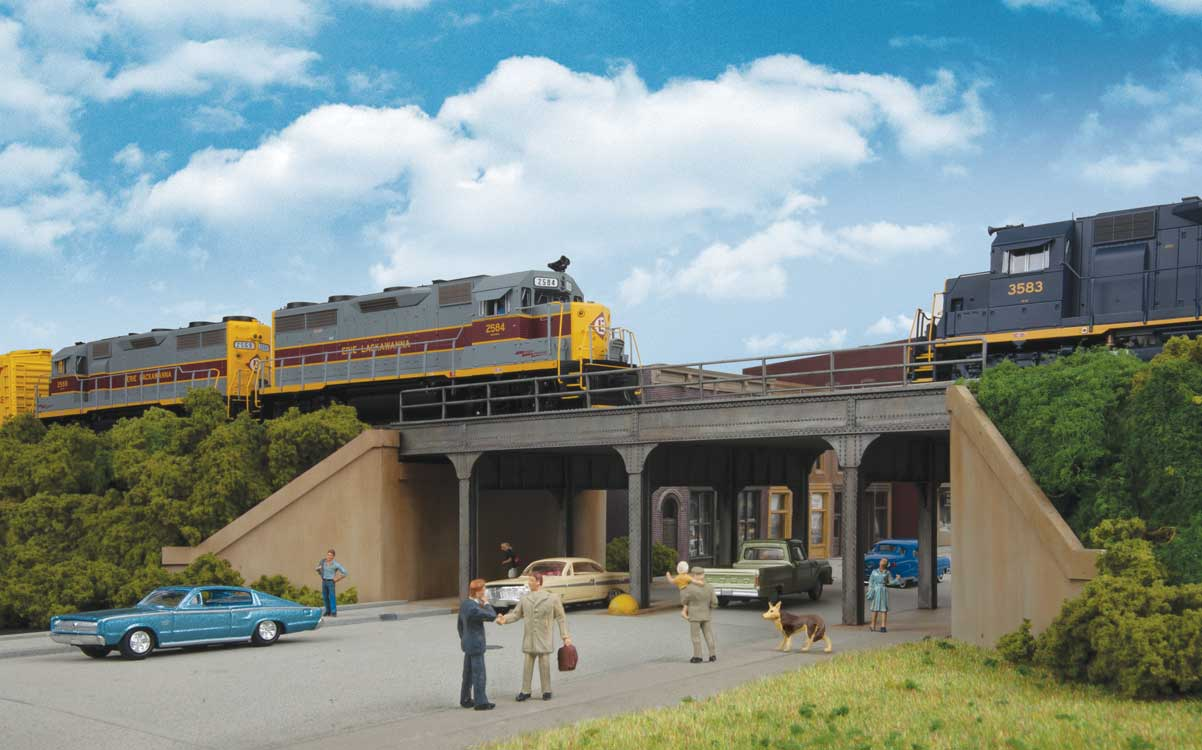 Walthers Cornerstone HO Urban Steel Overpass Kit