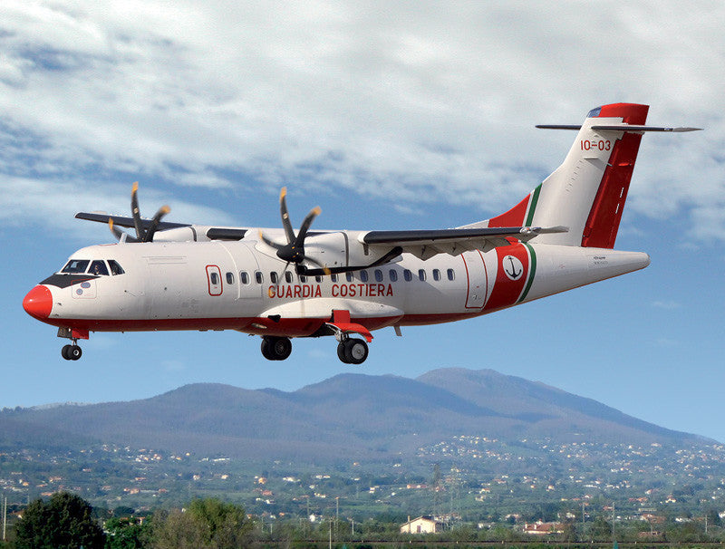 Italeri Aircraft 1/144 ATR 42 Twin-Turboprop Passenger Aircraft Kit