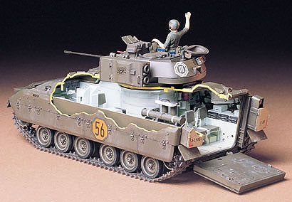 Tamiya Military 1/35 US M2 Bradley Infantry Vehicle Kit