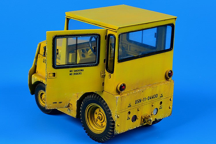 Aerobonus Details 1/32 USN/DLA GC340/SM340 Tow Tractor w/Cab & Photo-Etch Kit
