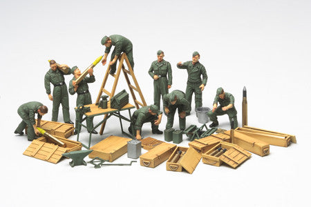 Tamiya Military 1/48 WWII German Tank Crew (9 Figures) & Field Maintenance Set Kit