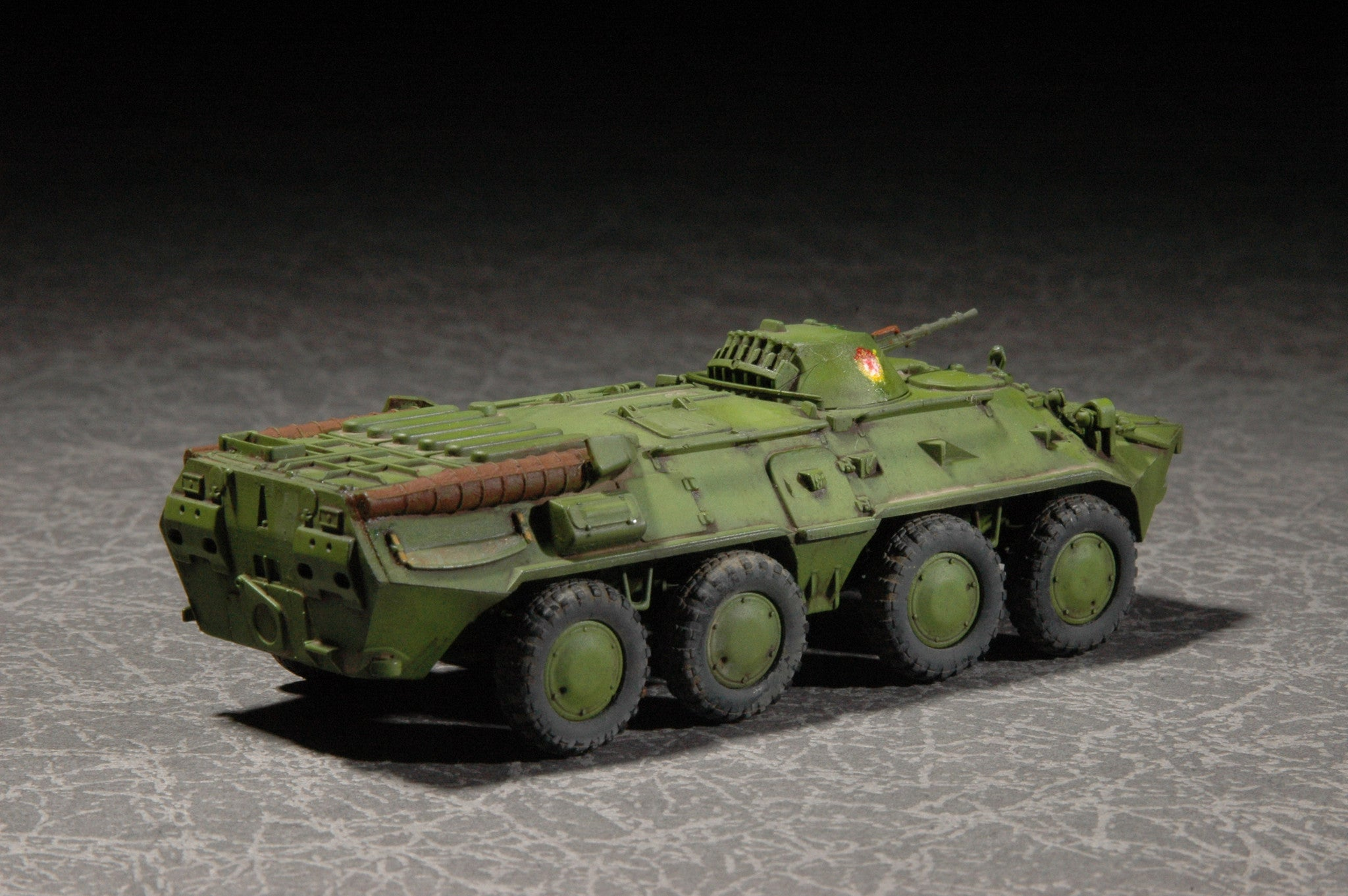 Trumpeter Military Models 1/72 Russian BTR80 Armored Personnel Carrier Kit