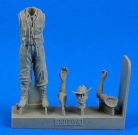 Aerobonus Details 1/32 WWII Royal Australian Air Force Fighter Pilot (Standing, Long Pants) Kit
