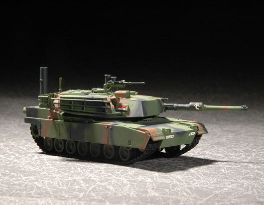 Trumpeter Military Models 1/72 US M1A1 Abrams MBT Kit