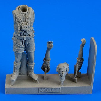 Aerobonus Details 1/32 WWII Royal Australian Air Force Fighter Pilot (Standing, Summer Dress)