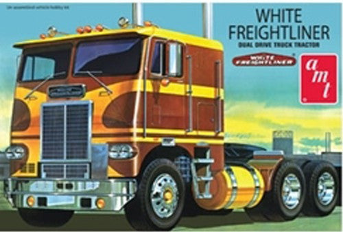 AMT Model Cars 1/25 White Freightliner Dual Drive Truck Cab Kit