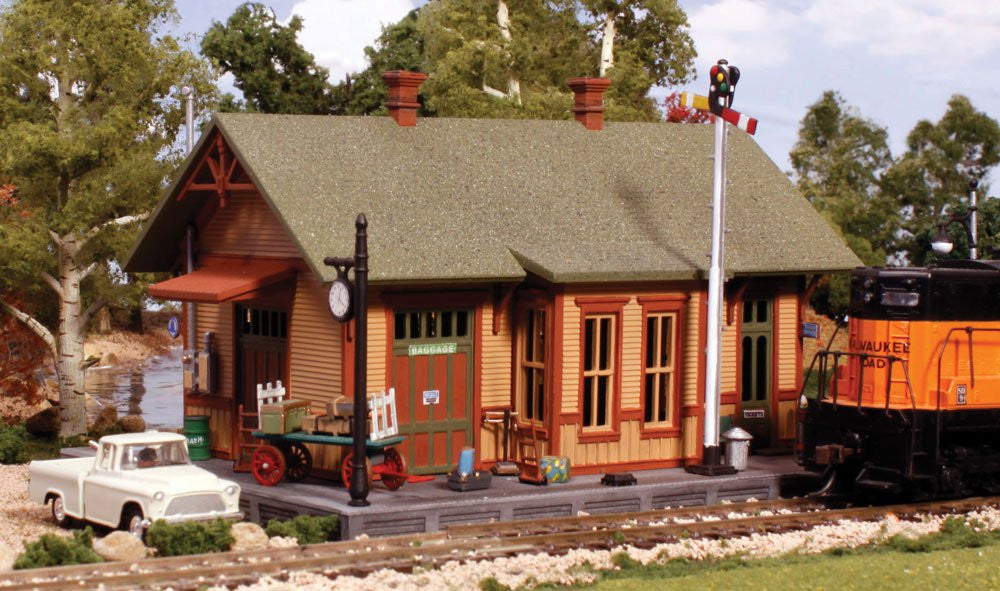 Woodland Scenics N Pre-Fab Building Woodland Station Kit