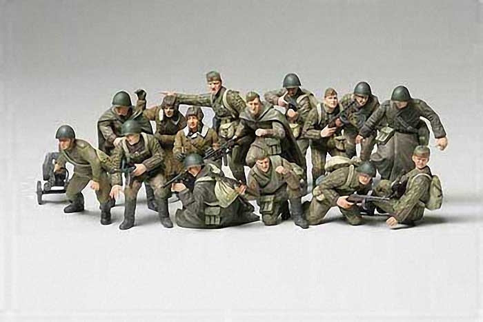 Tamiya Military 1/48 WWII Russian Infantry & Tank Crew (14 Figures) Kit