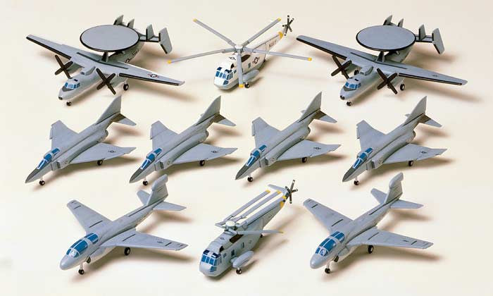 Tamiya Model Ships 1/350 US Navy Aircraft #2 Kit