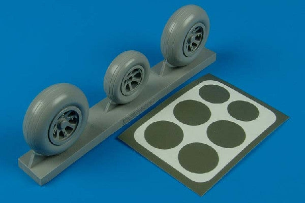Aires Hobby Details 1/32 P38 Wheels & Paint Mask