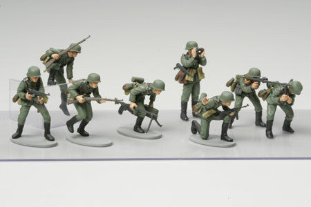 Tamiya Military 1/48 WWII German Infantry (15 Figures) Kit