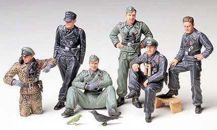 Tamiya Military 1/35 German Tank Crew at Rest Kit